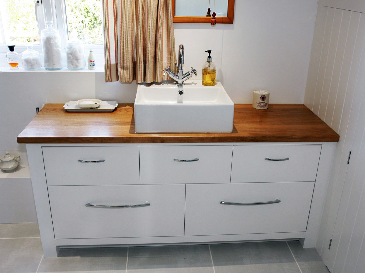 Bespoke bathroom cabinets by Mark Wiliamson Furniture in Dinton