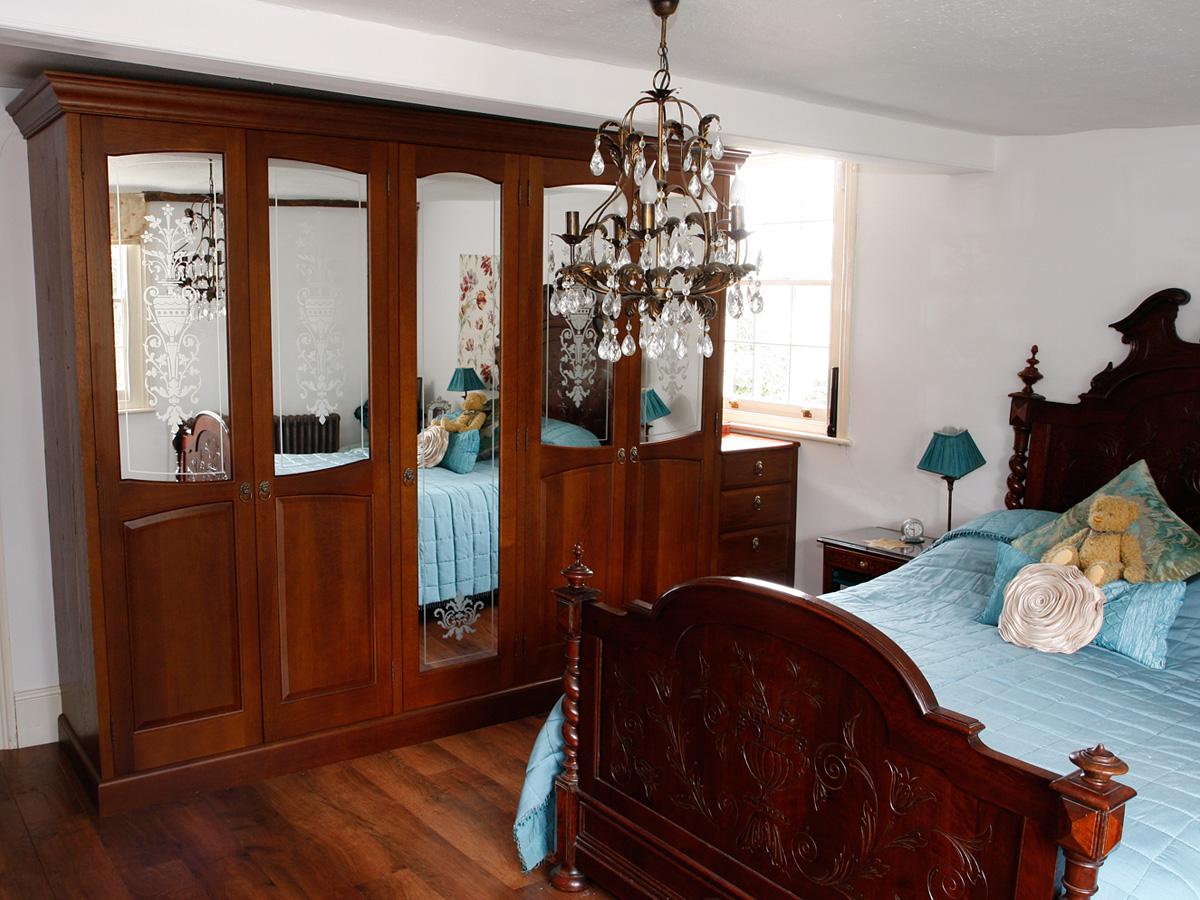 Mark Williamson Furniture - bespoke wardrobes country house Essex