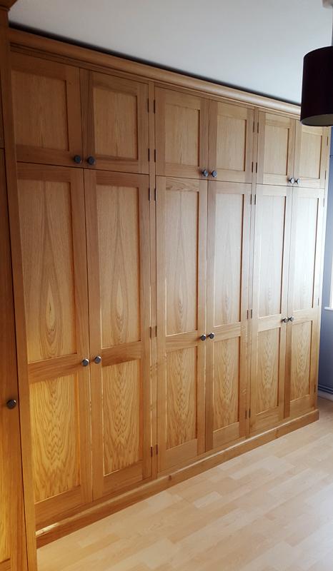 custom oak wardrobes Bucks
